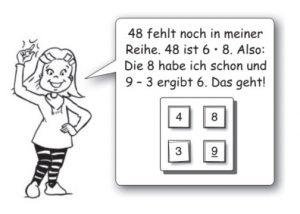 Ein Mädchen steht und lacht, daneben ist eine Sprechblase mit einer Mathematikaufgabe